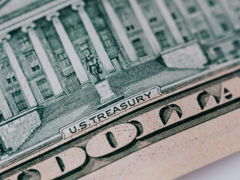 How do I pick a money market fund?