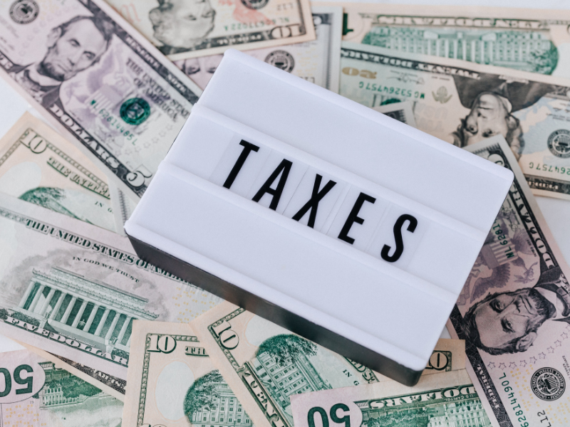 How does the US deal with cryptocurrency and taxes?